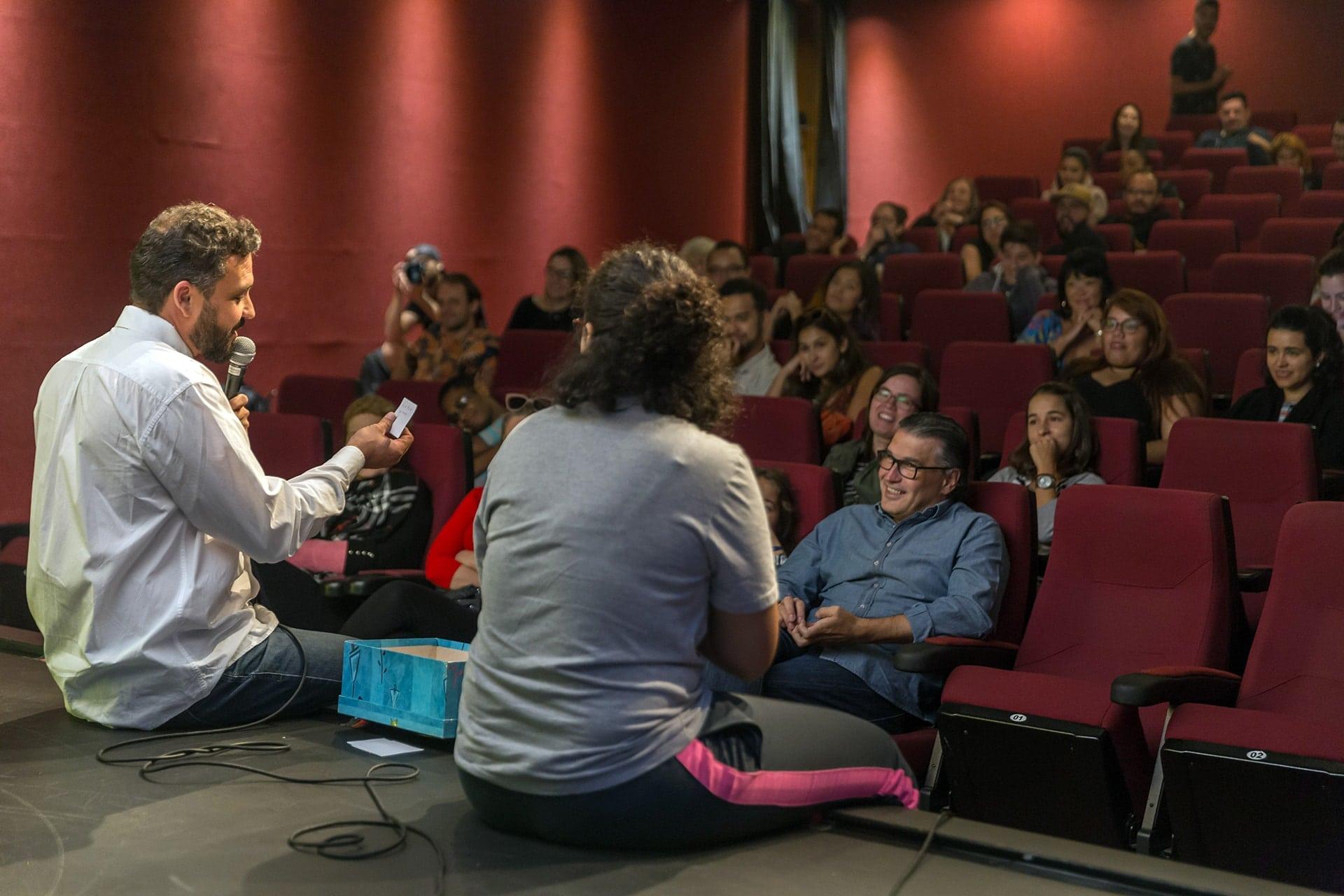 Richard Rebelo apresentando Neurônios Criativos no Dia Mundial da Criatividade 2018